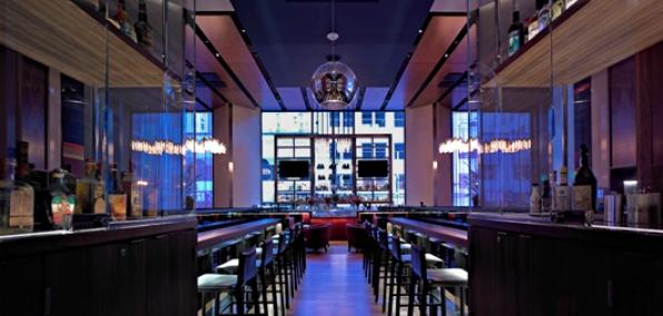 OneUp Restaurant & Lounge