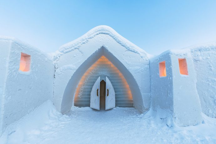 arctic snow hotel and glass igloos