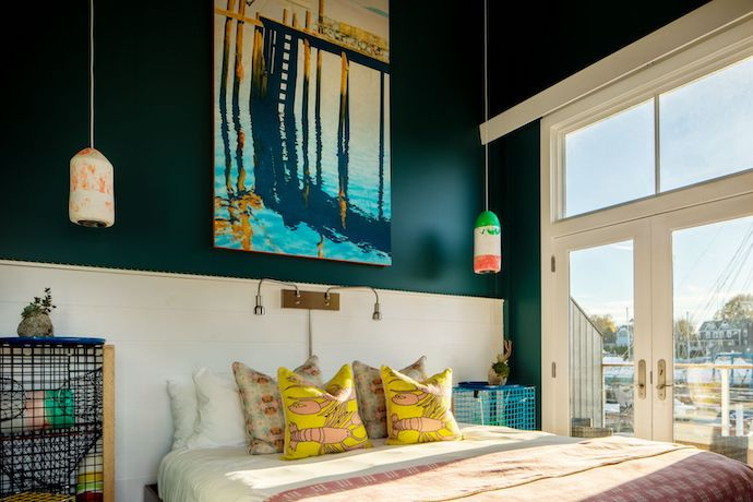 The Boathouse Waterfront Hotel lobster suite