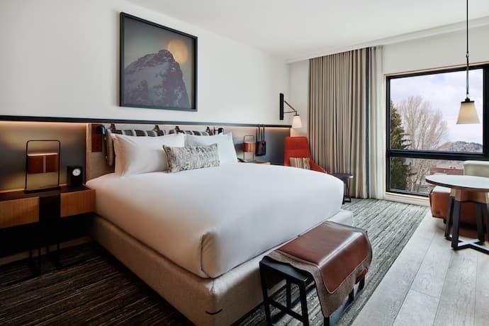 cloudveil hotel guest room