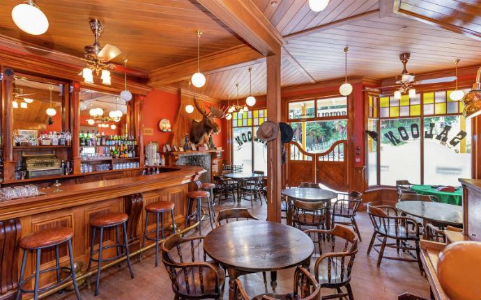 mellonsfolly ranch saloon