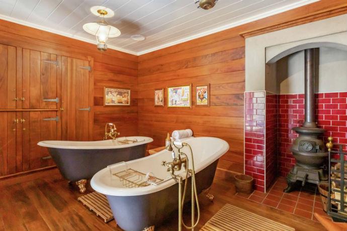 mellonsfolly ranch hotel bath