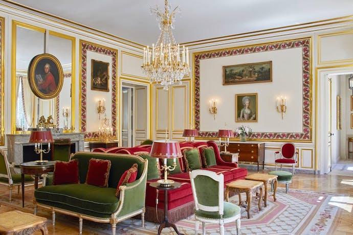 Airelles Château de Versailles lobby