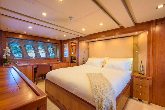 casino royale yacht stateroom