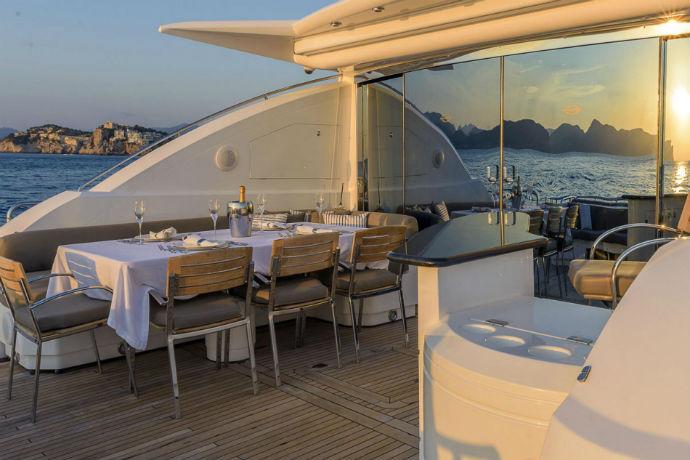 casino royale yacht deck