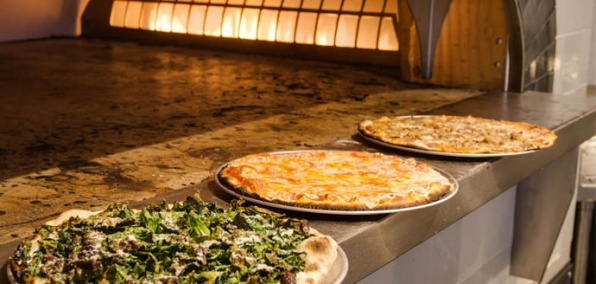 Thin-Crust Pizza and Champagne at Danny Meyer's Latest