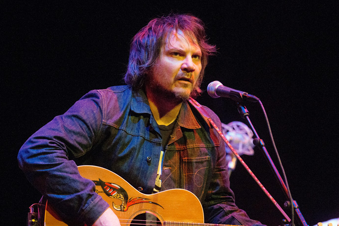 Jeff Tweedy Does a Compilation Album the Only Way Jeff Tweedy Knows How