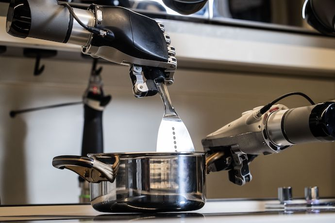 This Robot Kitchen Will Cook You Dinner