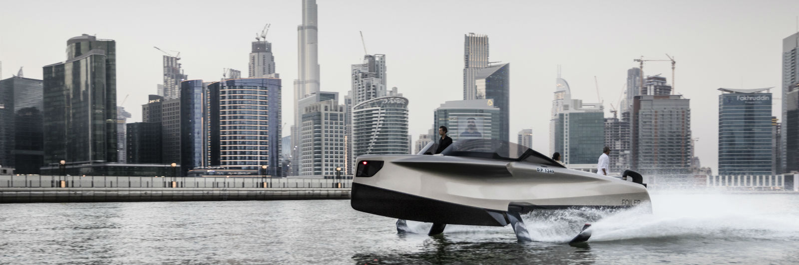 A Personal Yacht That Flies Over the Water