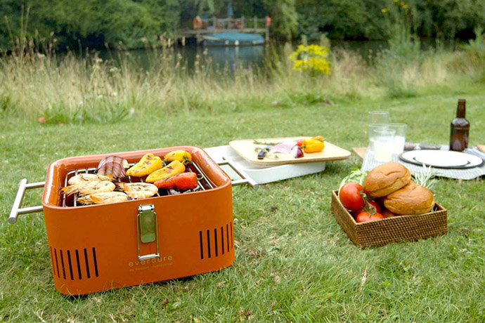 This Portable Grill Is Perfect for the City Dweller's Cookout