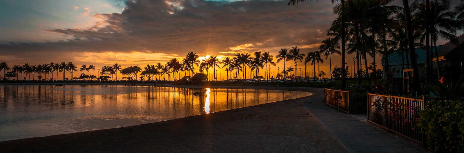 10 Hawaiian Shirts to Show the World How Fun You Are