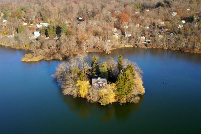 This Private Island in Upstate New York Can Be Yours
