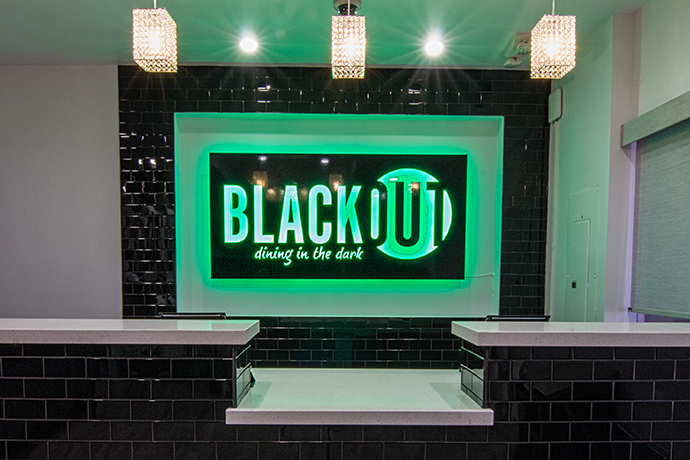 Blackout Dining In The Dark Las Vegas A Mystery Meal In The Deepest Darkness