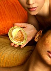 UD - Golden Radiance 24-Karat Facial