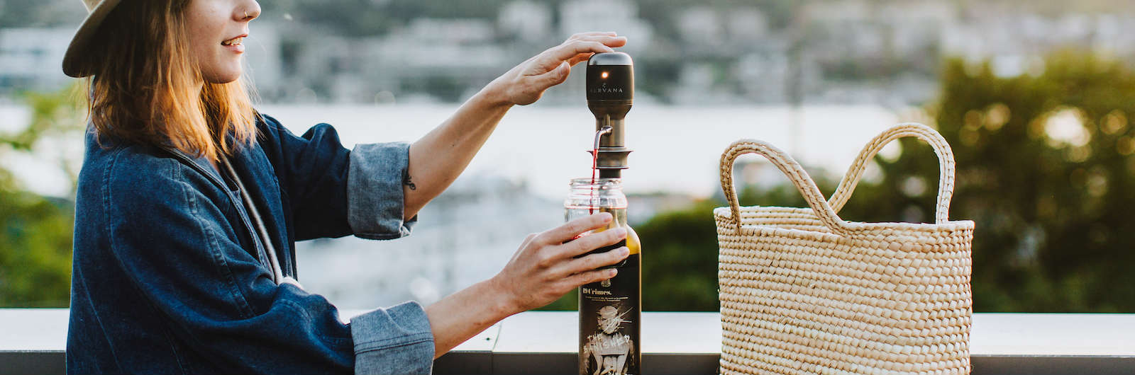 A Push-Button Device for Aerating Wine