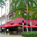 A Lincoln Road Institution Says Goodbye