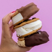THEY'RE CALLED CREAMWICHES