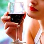 A Breezy Parisian Wine Bar on Melrose