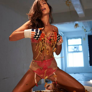 Emily Ratajkowski Is Now a Professional Spaghetti Wrestler