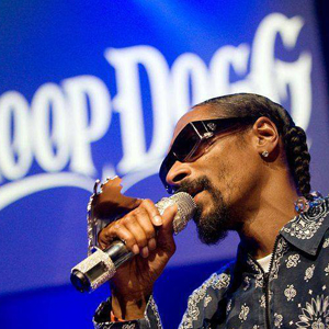 Snoop Dogg Performs at Make-A-Wish's After Party. Only Seems Right.