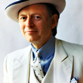 Rubbing Elbows with Tom Wolfe