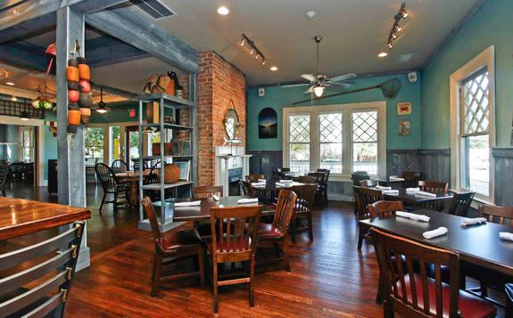 Best pictures of harbour bar fish house in decatur for Atlanta fish house