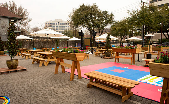 Best Pictures of Backyard at the Social House Uptown in