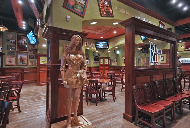 Best Pictures of Tilted Kilt in Chicago | UrbanDaddy