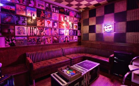 Best Pictures Of Break Room 86 In Los Angeles UrbanDaddy